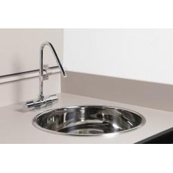 Dettaglio lavello e rubinetto